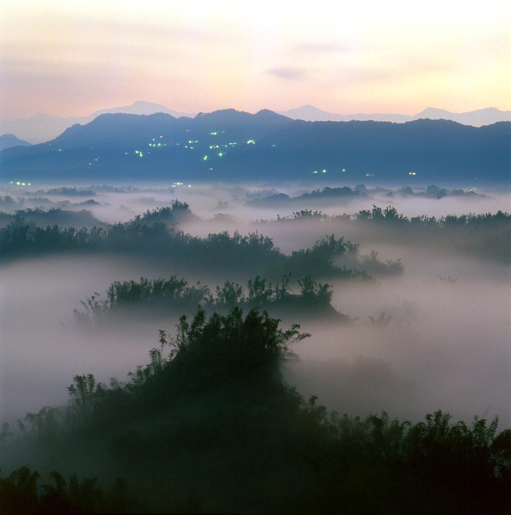 草山月世界の景色