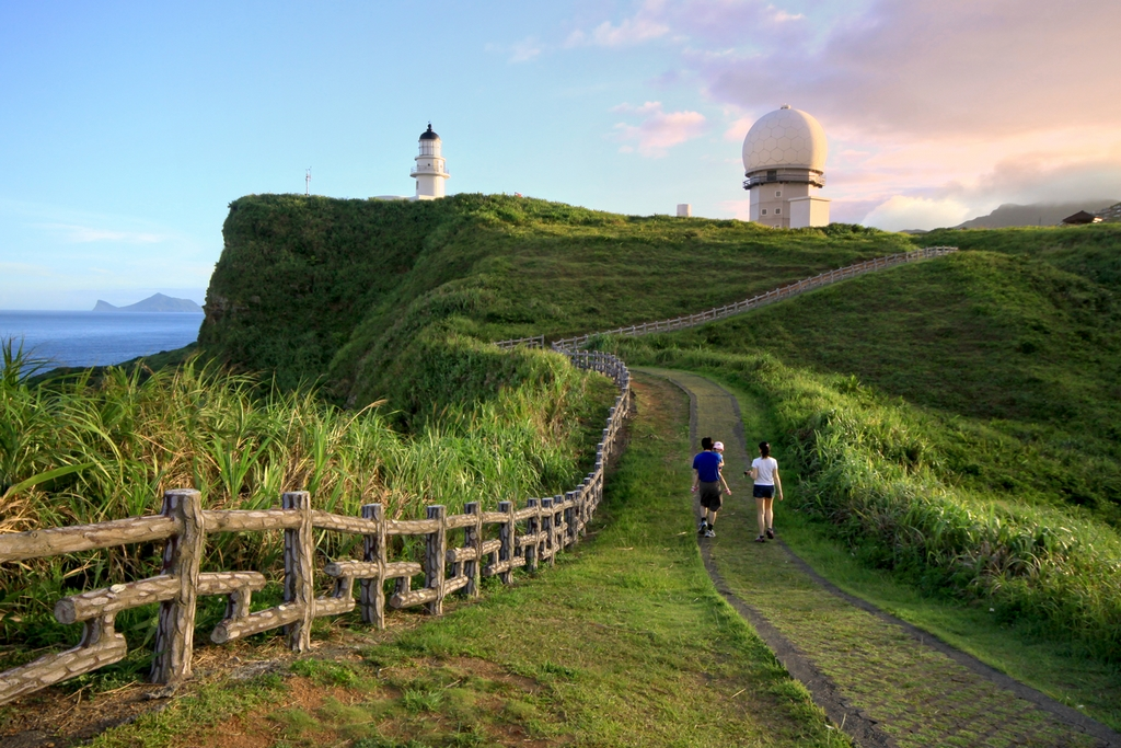 灯台に向ける歩道