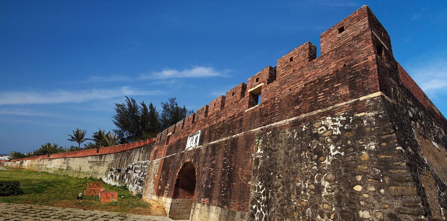 恒春古城門
