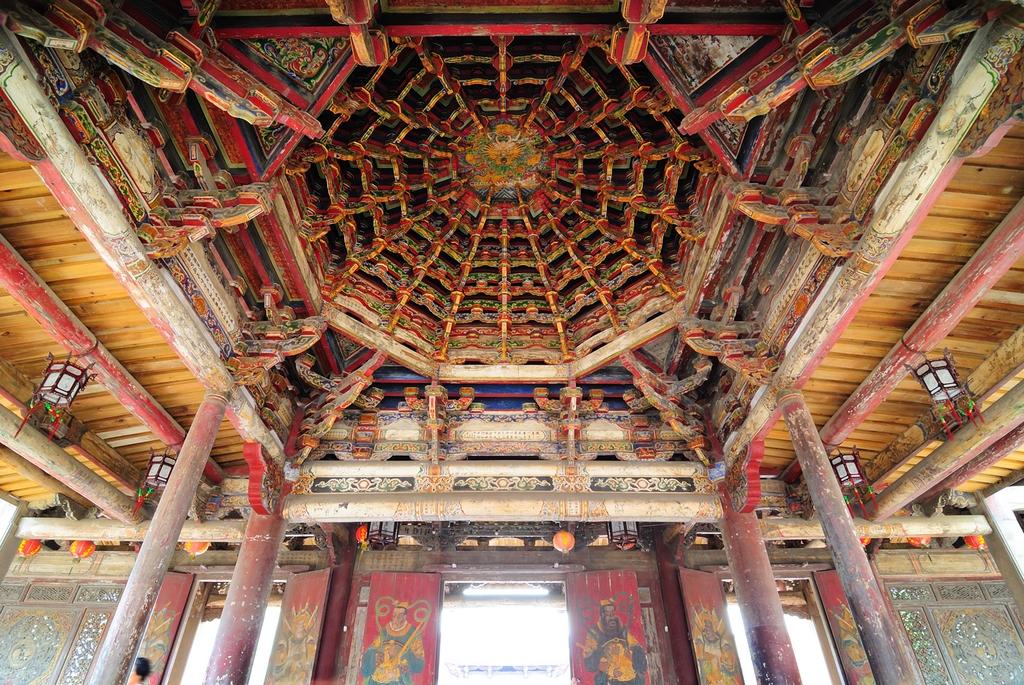 鹿港龍山寺の八卦藻井