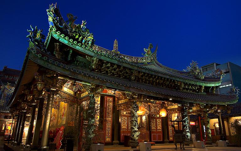大龍峒保安宮の夜景