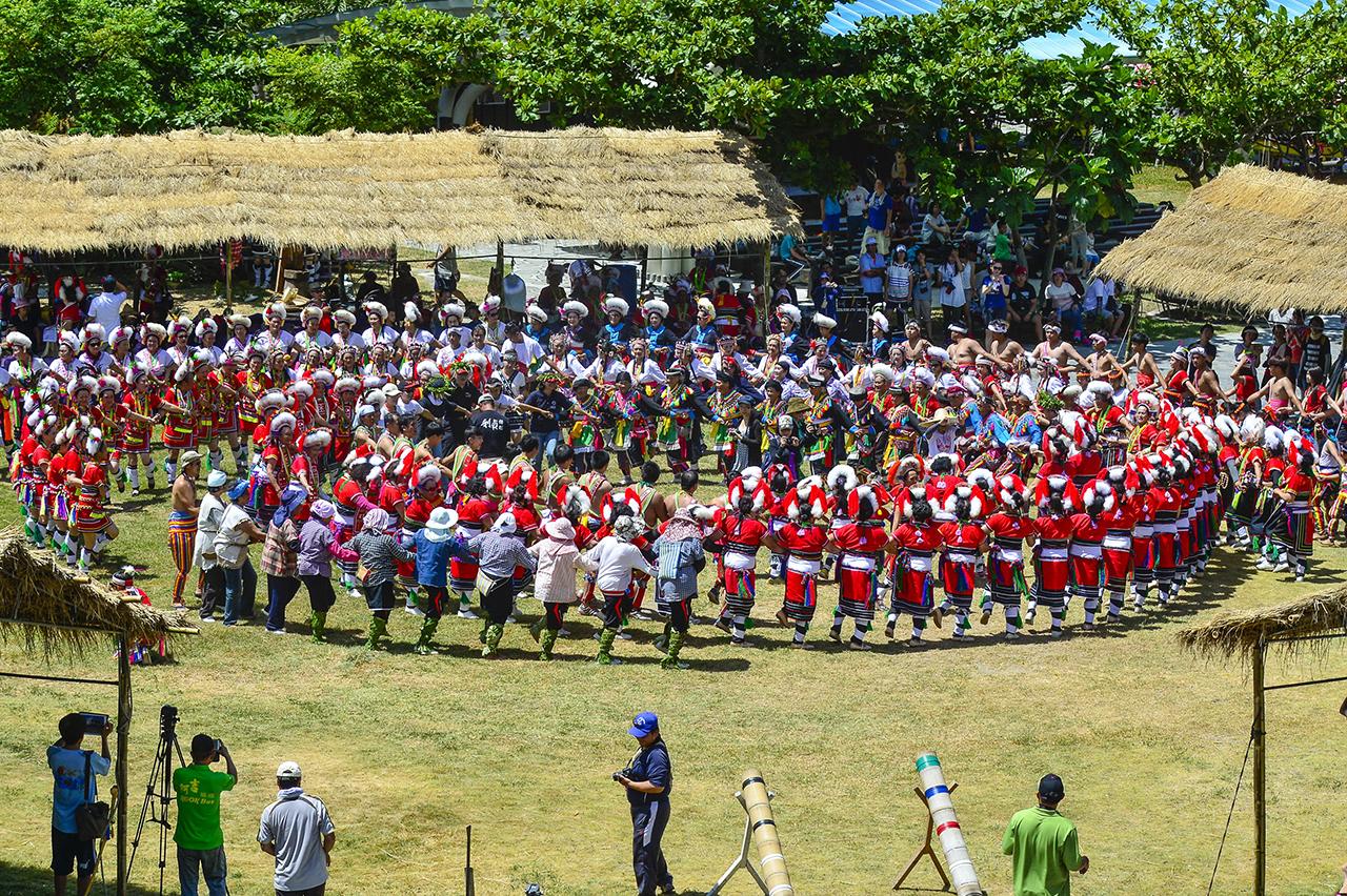 原住民族の踊り