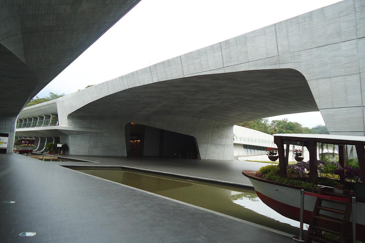 向山ビジターセンターの建築設計