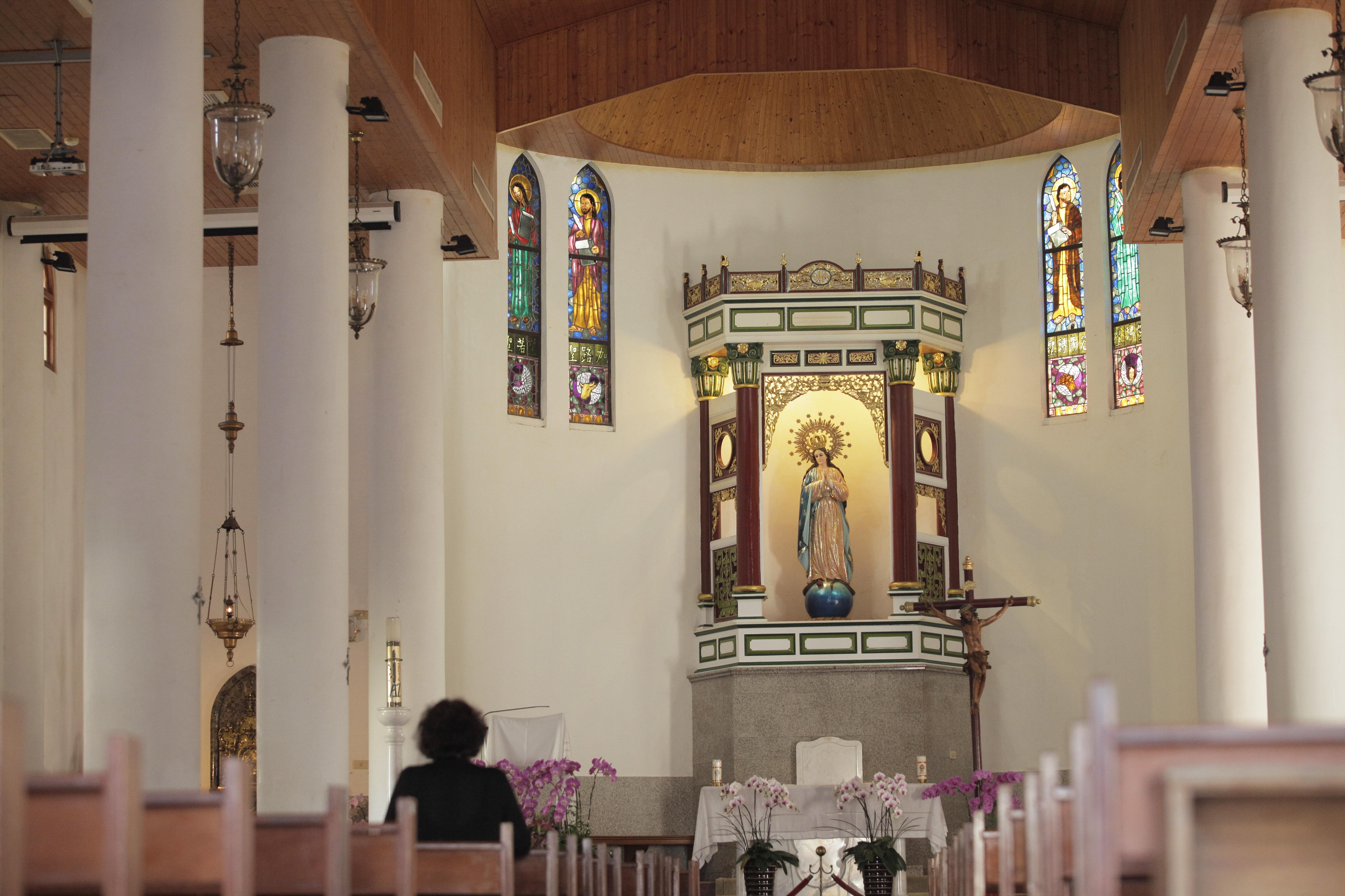 萬金聖母聖殿の内部