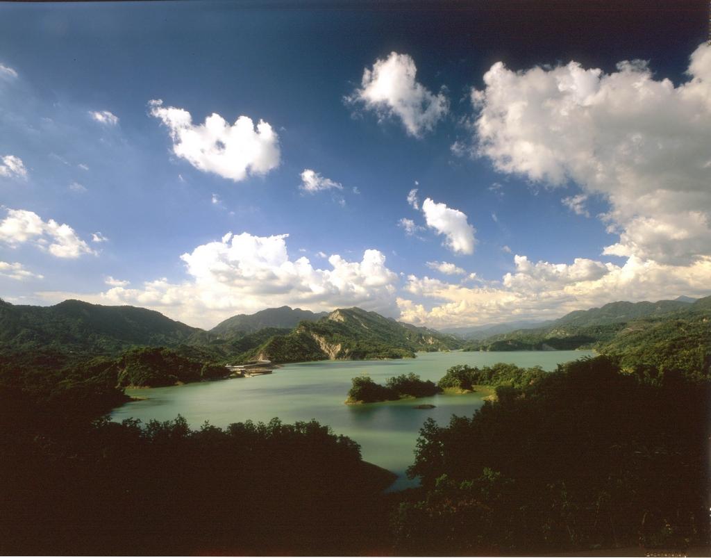 南化ダムの風光