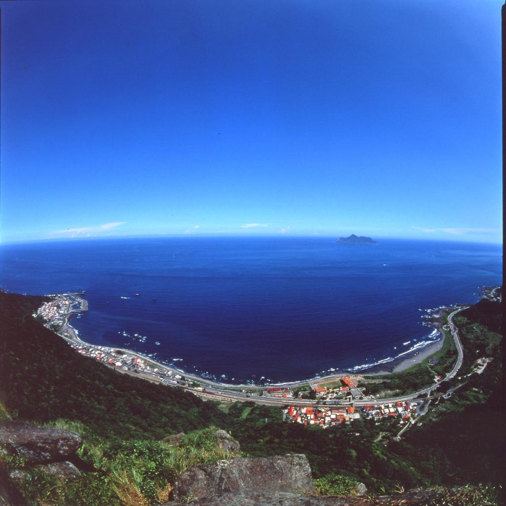 大渓蜜月湾を眺める