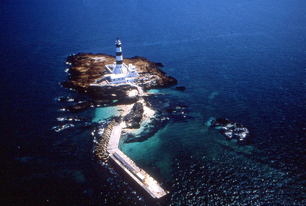 空から見る目斗嶼灯台