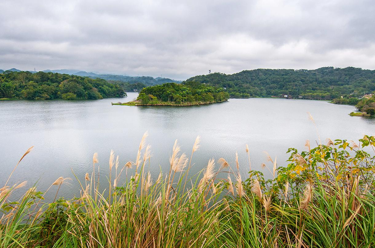 峨眉湖の景色