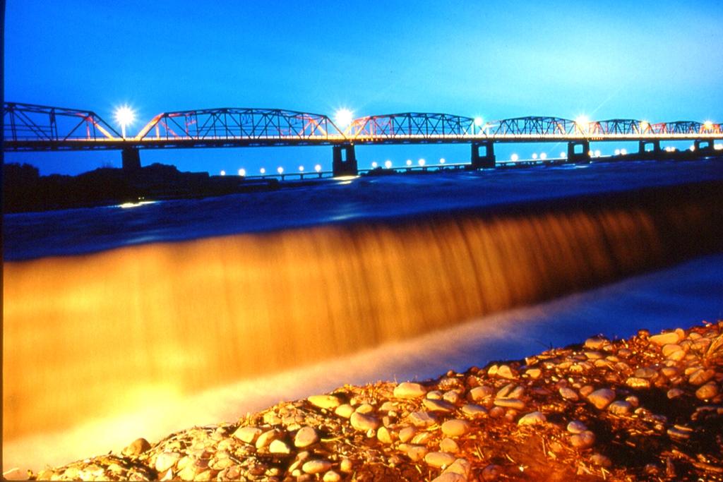 西螺大橋の夜景