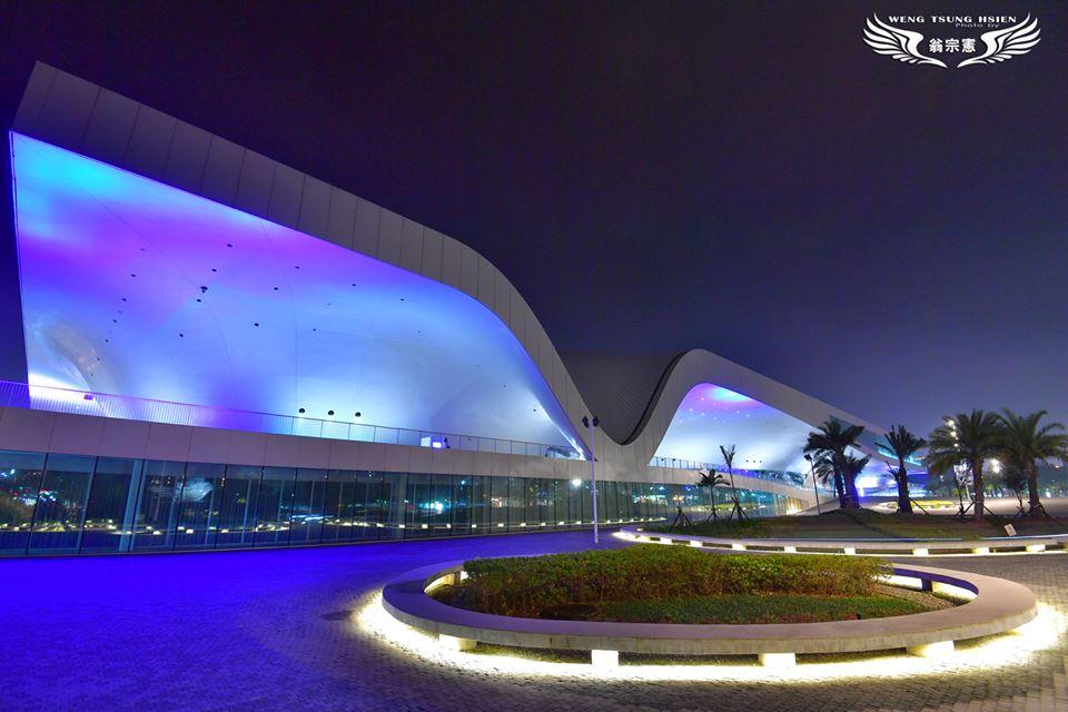 衛武営国家芸術文化センターの夜景