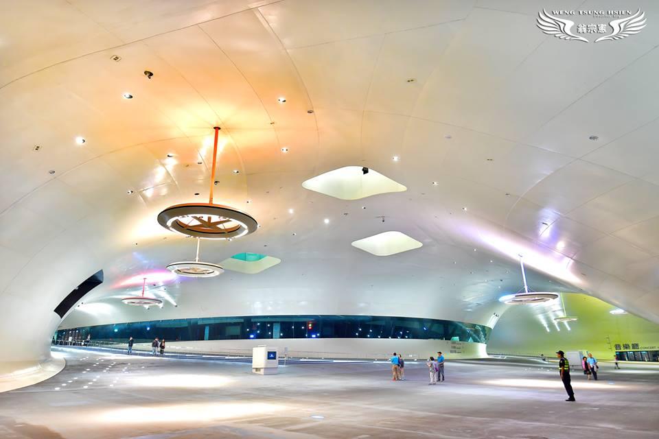 衛武営国家芸術文化センター榕樹廣場(ガジュマルの広場)