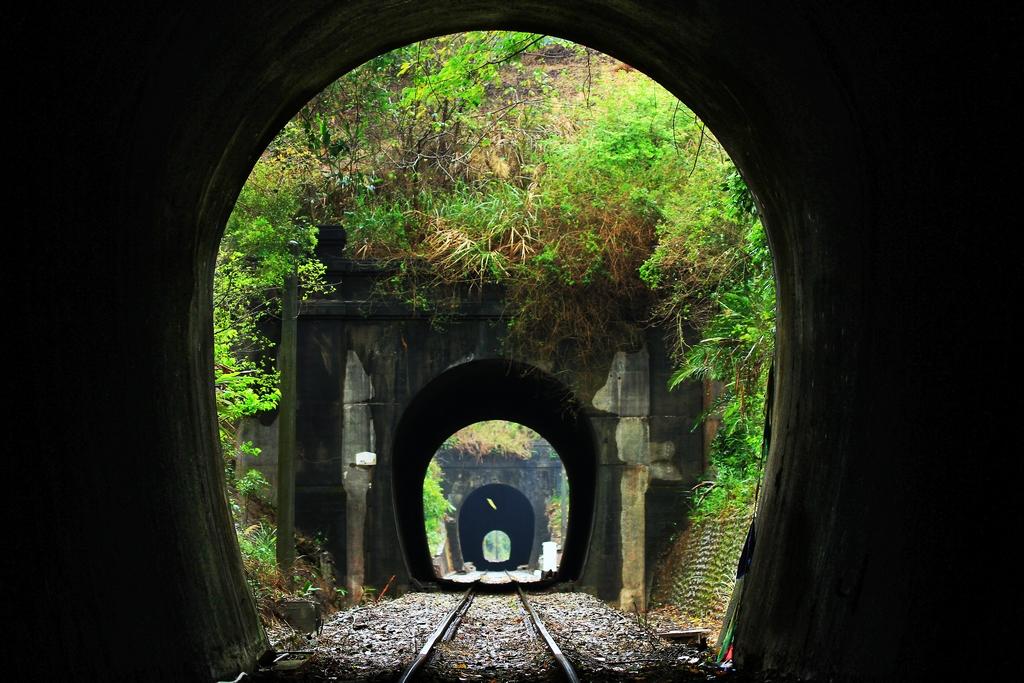 旧鉄道山線の隧道群