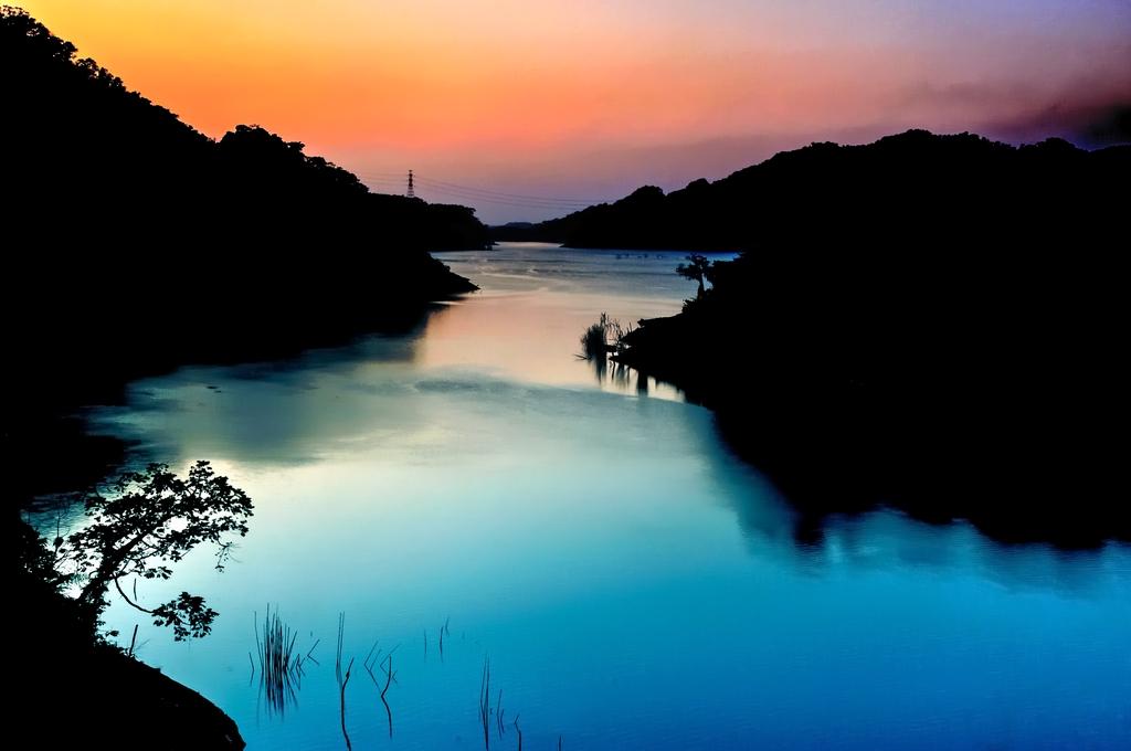 鯉魚潭の夕景