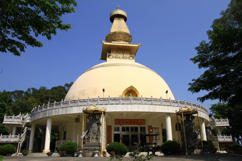 鎮国寺仏陀舎利塔