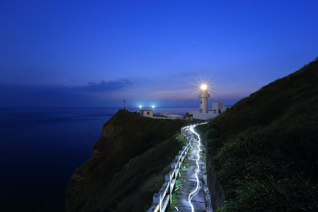 鼻頭角灯台の夜色