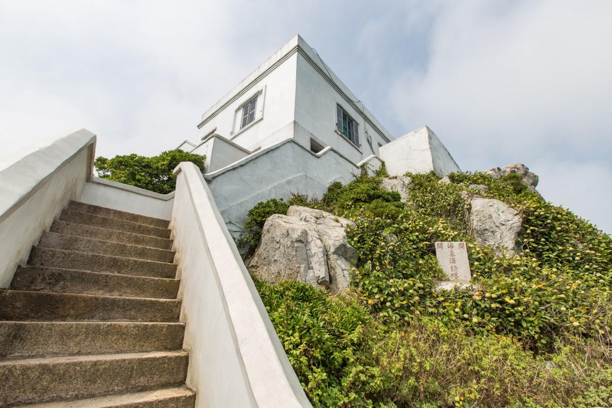 東引島灯台の階段