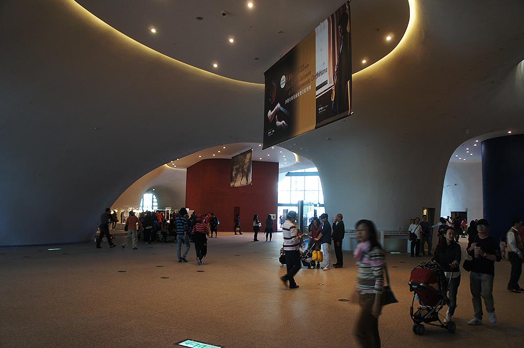 台中国家歌劇院の内部