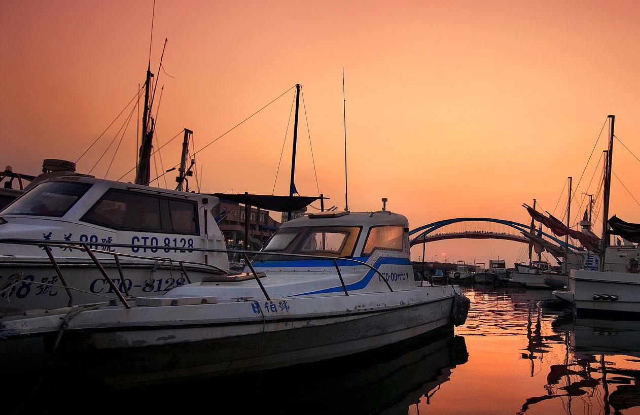 永安漁港の夕日