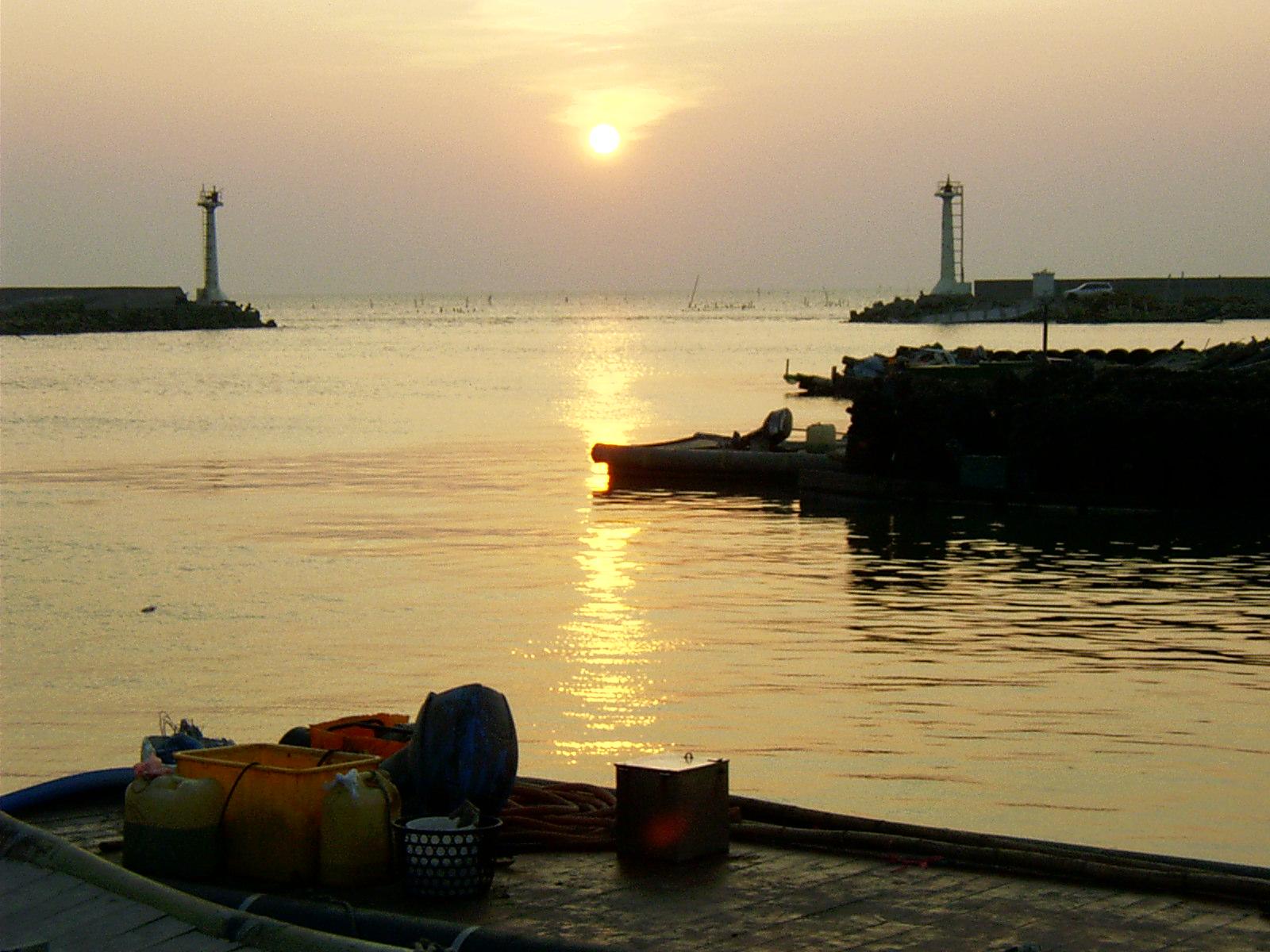 台西漁港の夕景