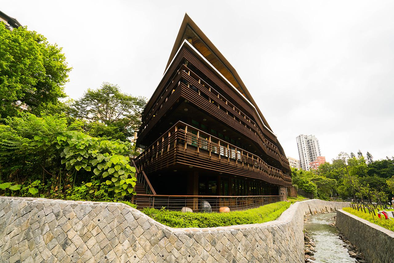 北投図書館の側面