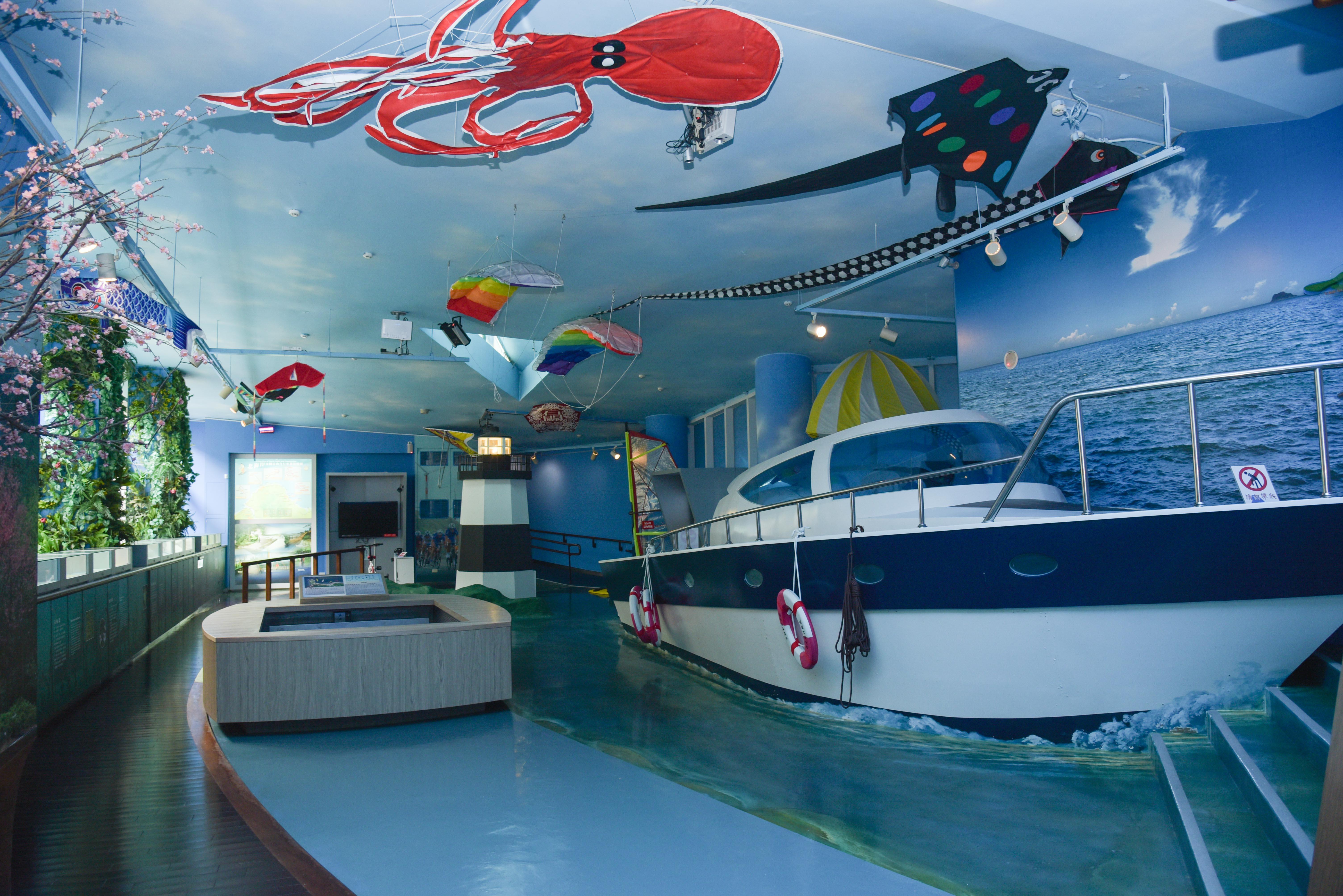 北海岸海湾探索館展示エリア