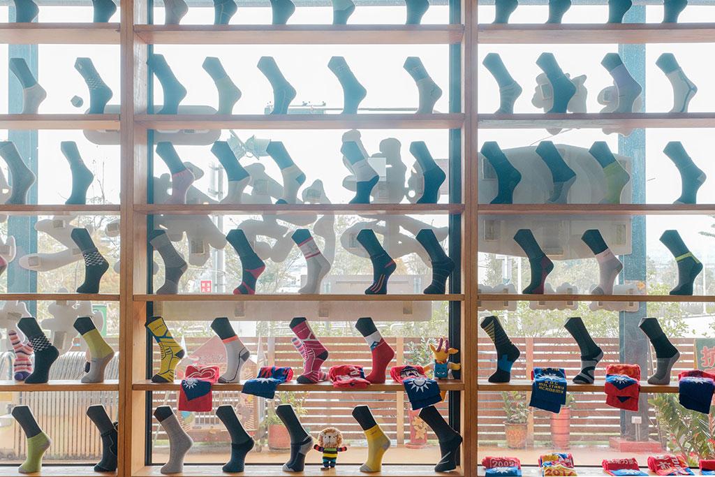 楽活靴下のふるさと博物館壁