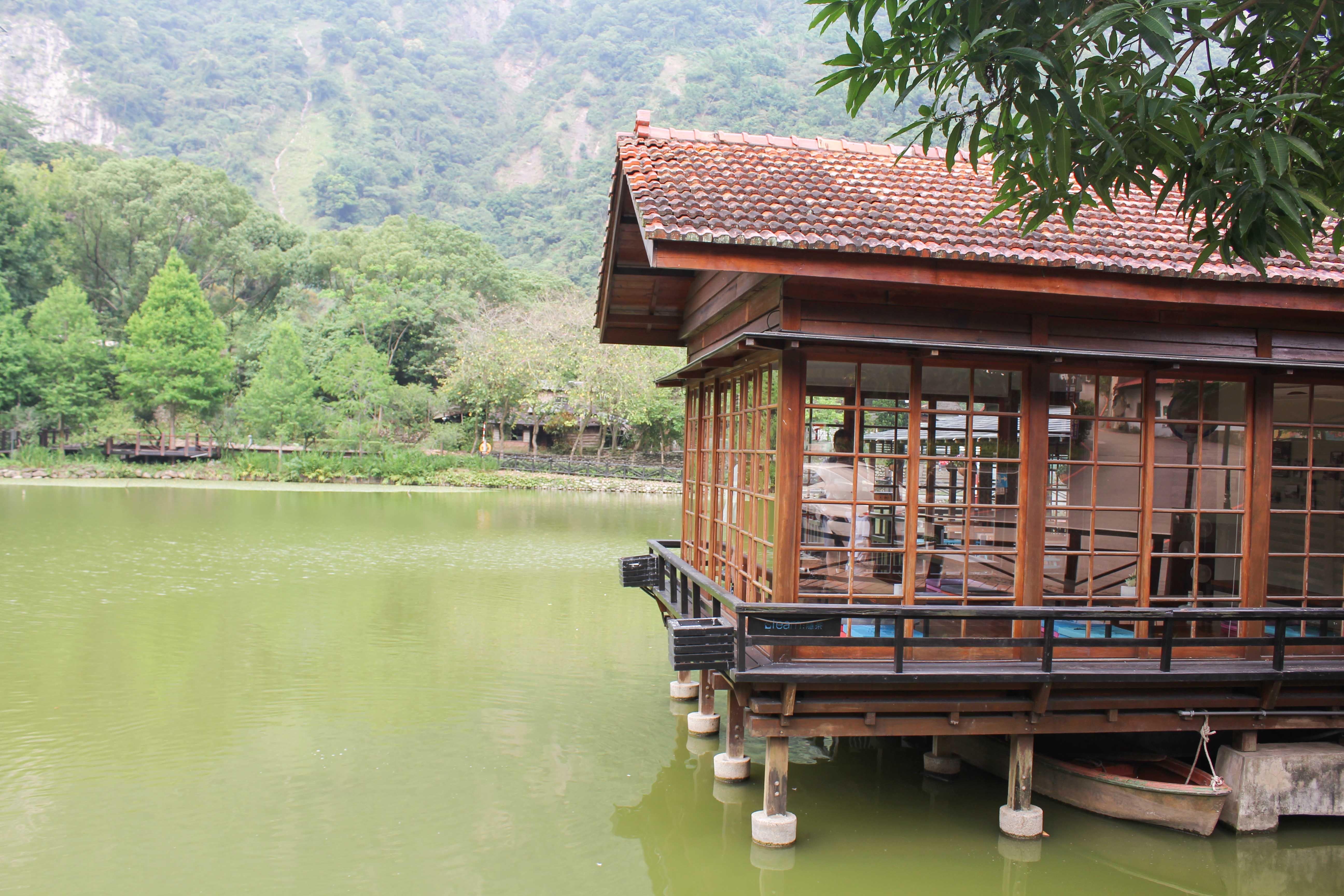 貯木池ロッジ