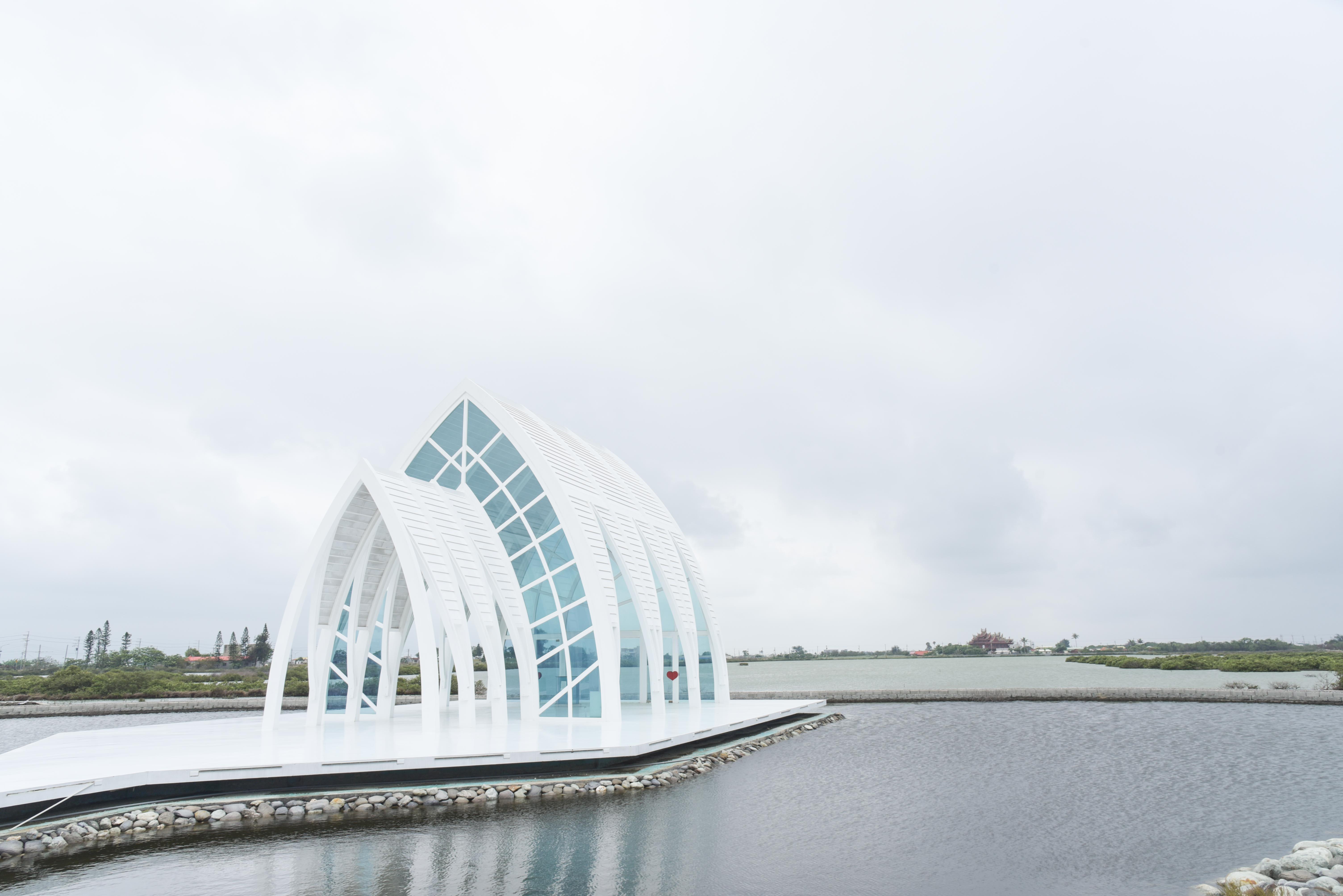 水晶教会の外観