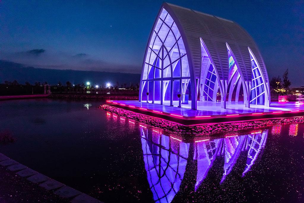水晶教会のライトショー