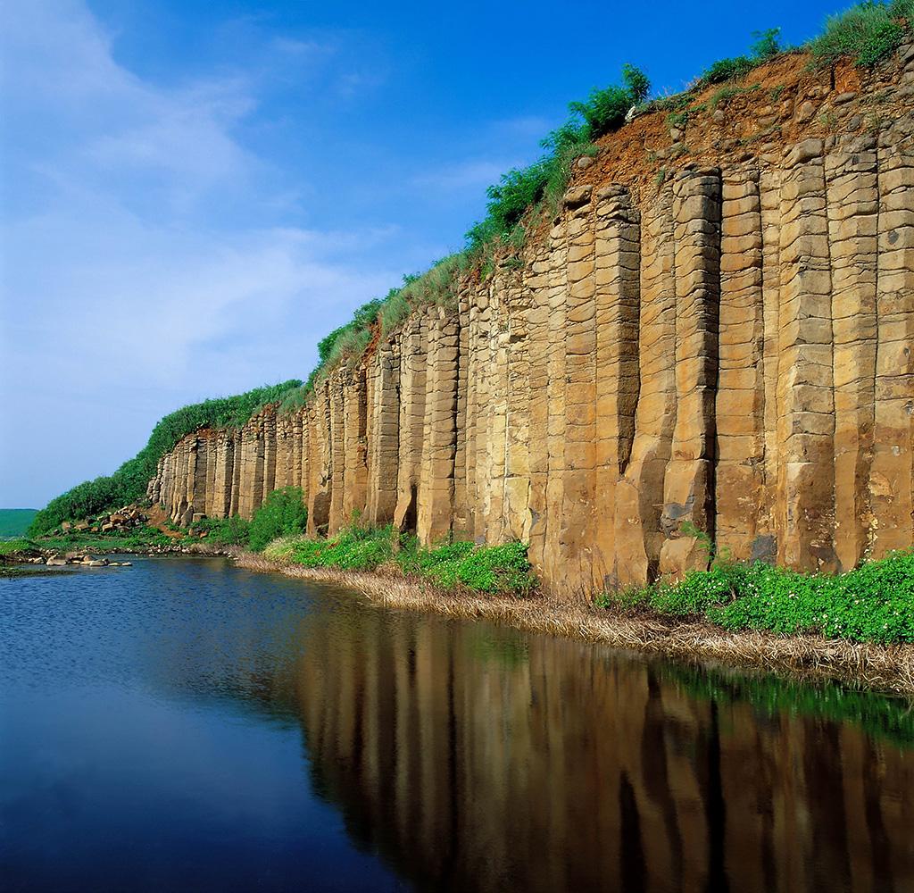 大菓葉柱状玄武岩の美景