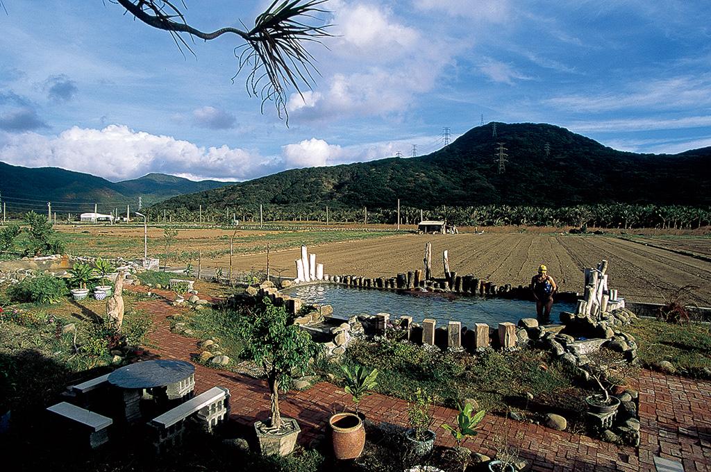 屏東県恒春半島車城郷東北方に位置する四重渓温泉