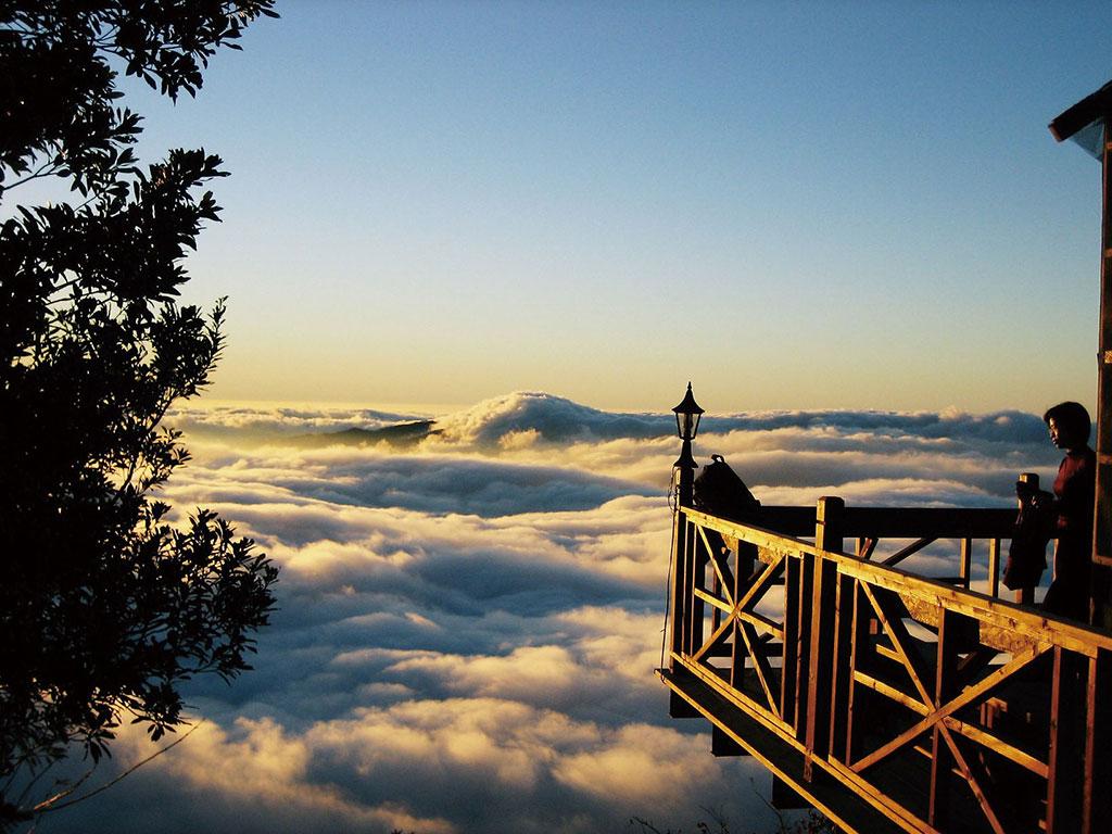 マラパン山の雲海