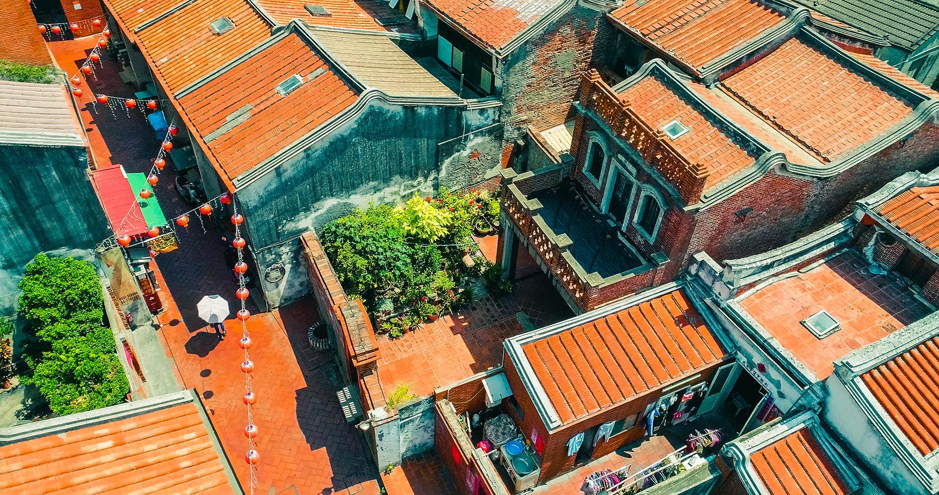 空から鹿港老街を眺める