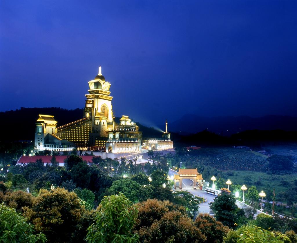 夜の中台禅寺