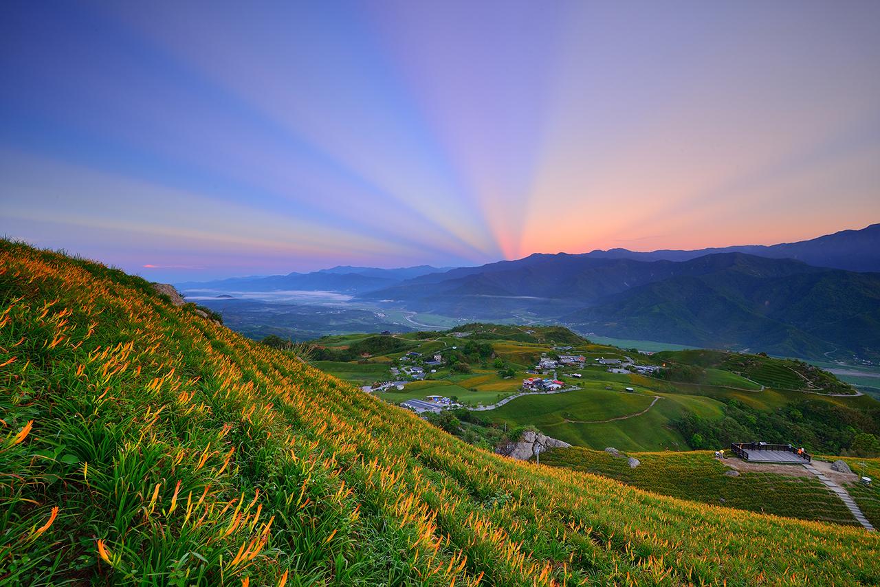 六十石山の朝の色