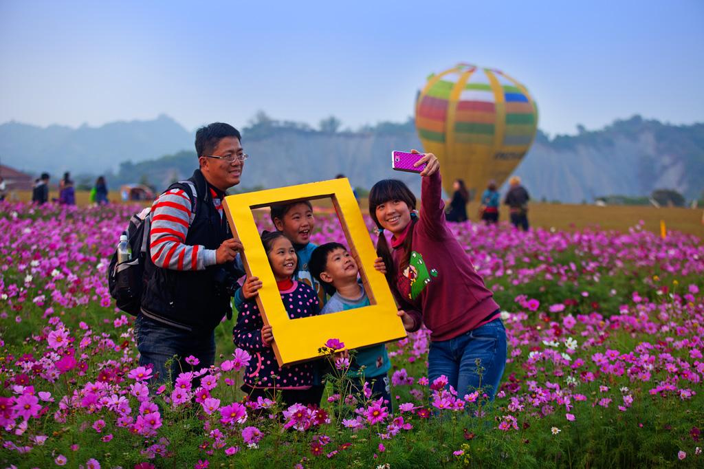 熱気球と花見の旅