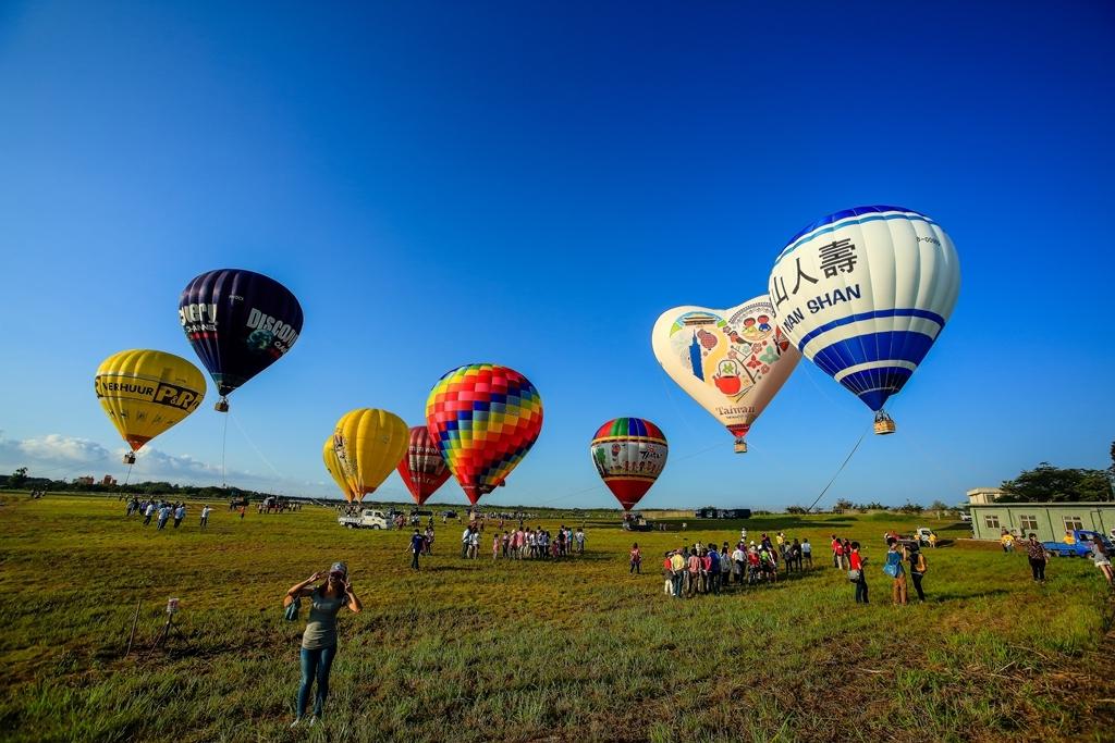 熱気球フェスティバル  (1)