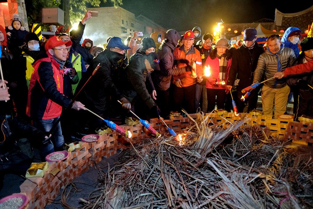 坂里十三暝-烧马粮活动,祈求新的一年国泰民安