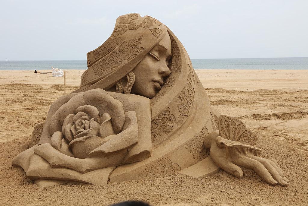 2018世界大会第3位-中国人彫刻家の王杰「国色天香」