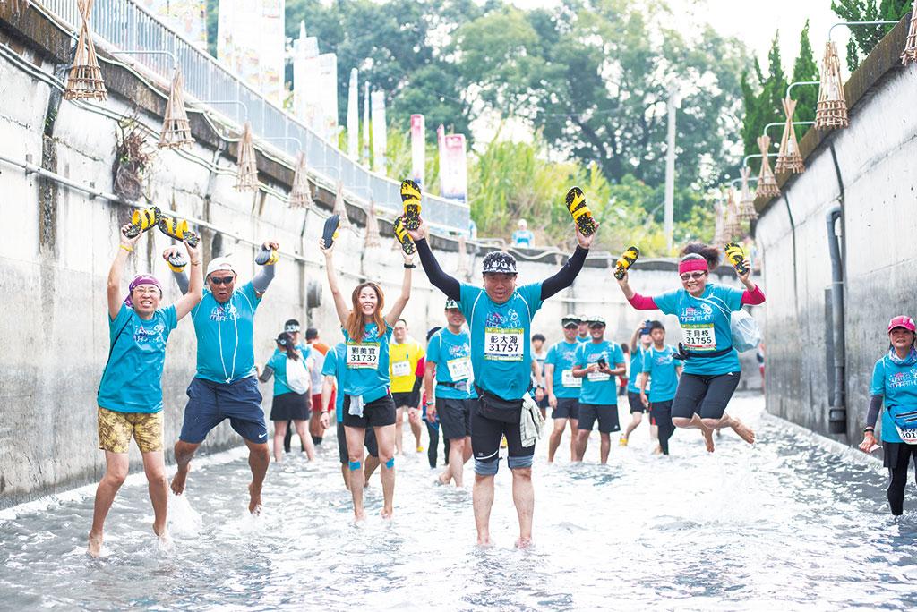 八堡圳水道-跑水节一景