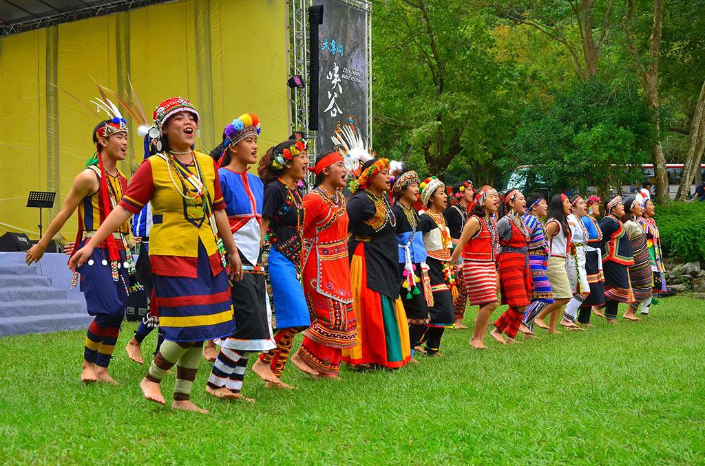 东华大学原住民学院舞蹈团