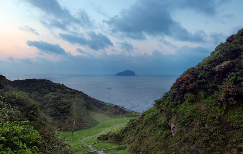 八斗子漁港と望幽谷