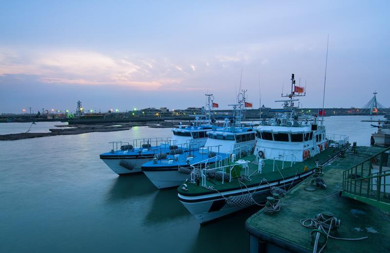 布袋漁港観光漁市