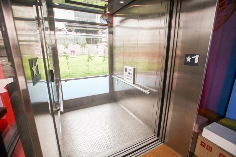 車いす兼用エレベーター