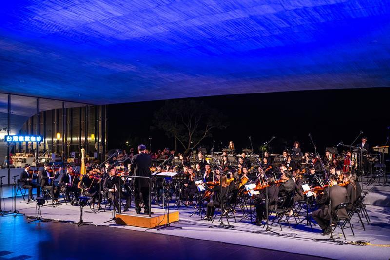 NTSOユース交響楽団花火コンサート  年度:2019  写真提供:日月潭国家風景区管理処