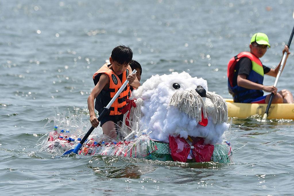 東隆小学校が作ったエコボート  年度:2018  写真提供:大鵬湾国家風景区管理処