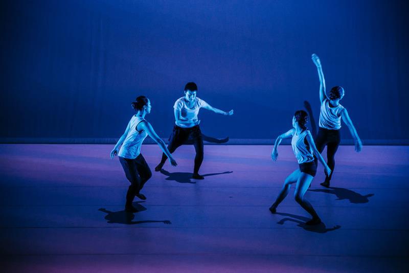 梅田宏明《勾勒 》  年度:2018  写真提供:国家表演芸術センター