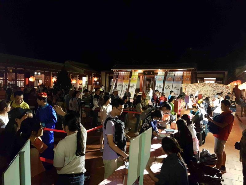 金門中秋月餅賭けサイコロゲーム大会