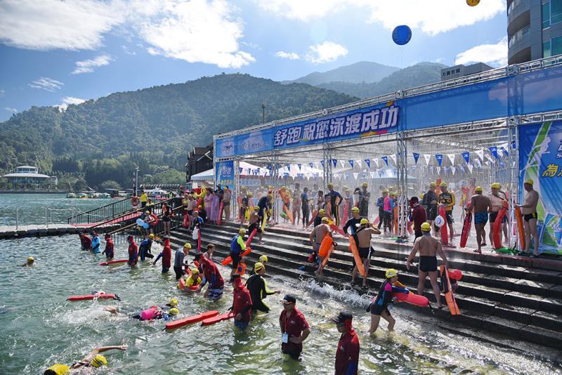 遠泳  年度:2019  写真提供:南投県政府