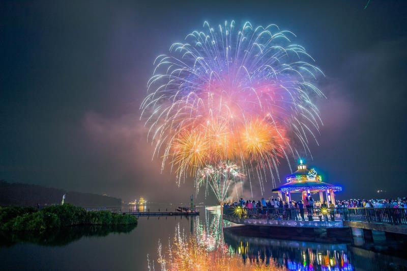 日月潭サイクリング花火音楽フェスティバル